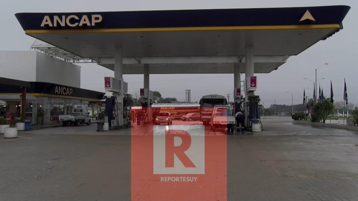 Ya casi no queda nafta en las estaciones de Montevideo,en Rocha hay 3 estaciones con naftas.
