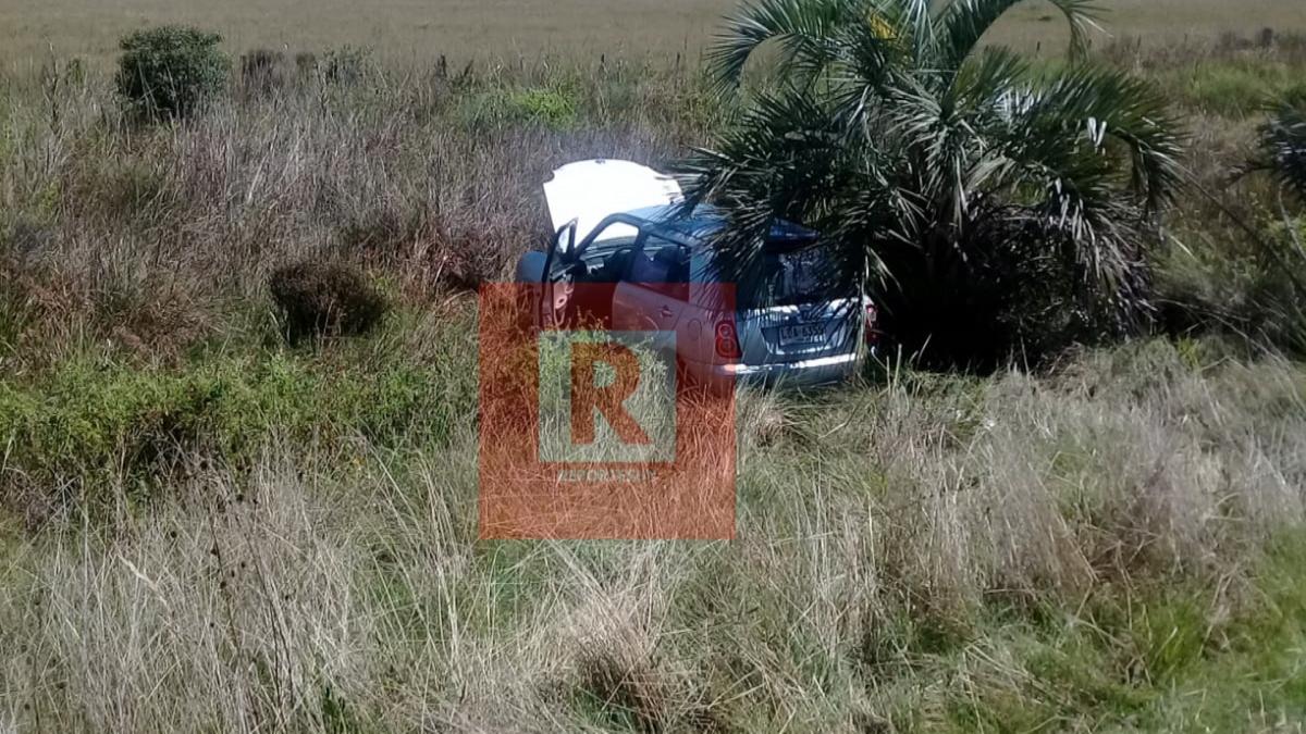 Un mujer perdió el dominio de su auto y se salió de la ruta 9