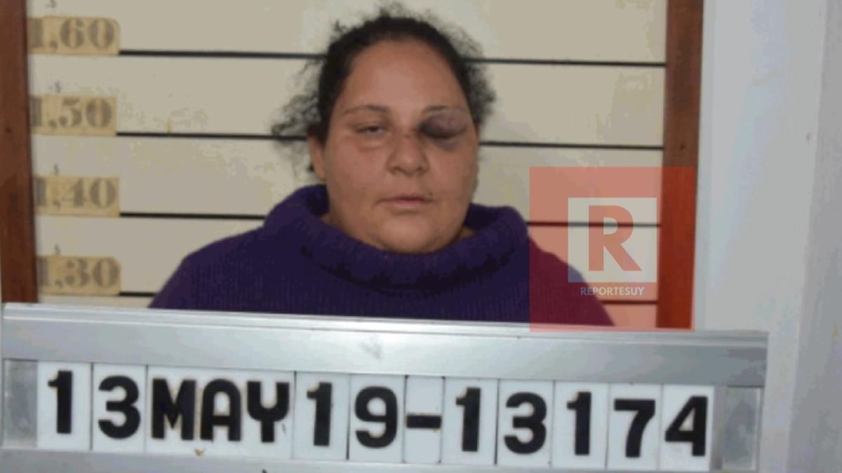 El ministerio del interior informó de la imputación a Yessica Rocha Nuñez por un Delito De Incendio En Calidad De Coautora en Régimen De Reiteración Real Con Un Delito De Homicidio Especialmente Agravado a título de dolo eventual