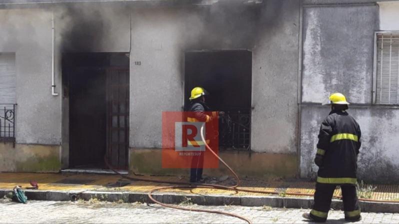 incendio casa en Rocha.jpg