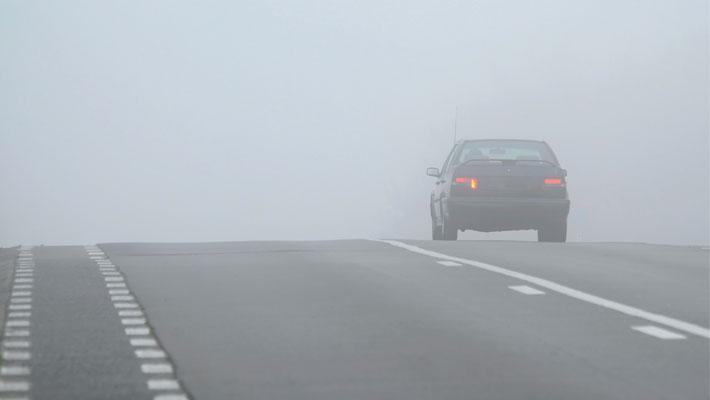 Algunos-consejos-para-conducir-bajo-en-la-niebla