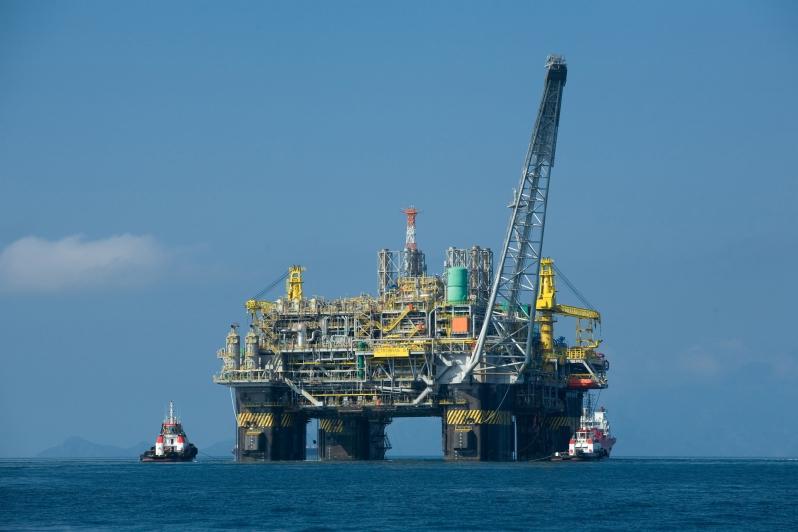 oil_platform_p-51_brazil_jennifer_a_dlouhy__houston_chronicle